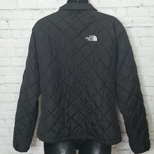 The North Face Jackets & Coats - The North Face quilted lightweight jacket